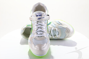 524-01 (long jump spikes, white-green)